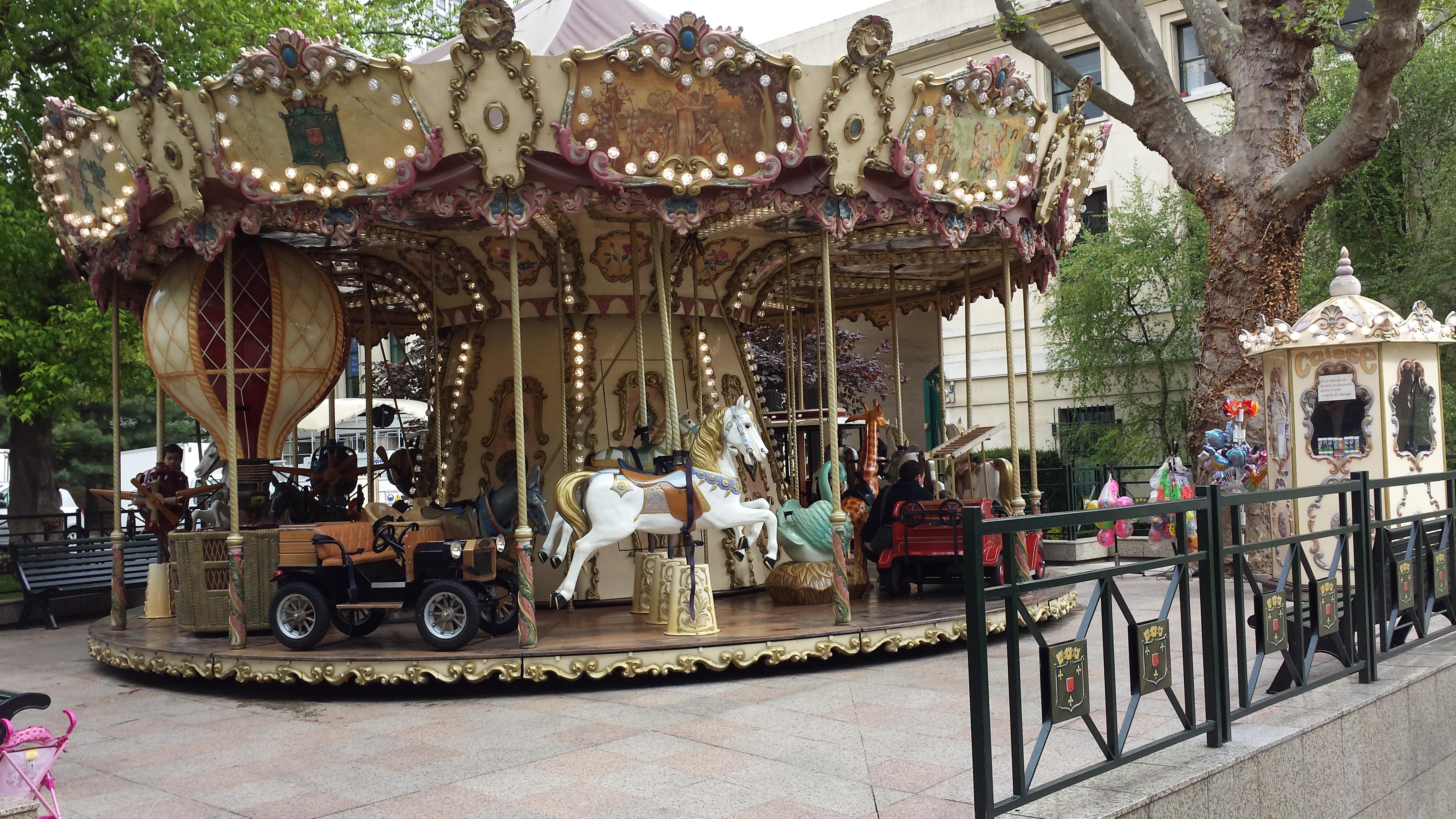 Carrousel de la mairie de Puteaux