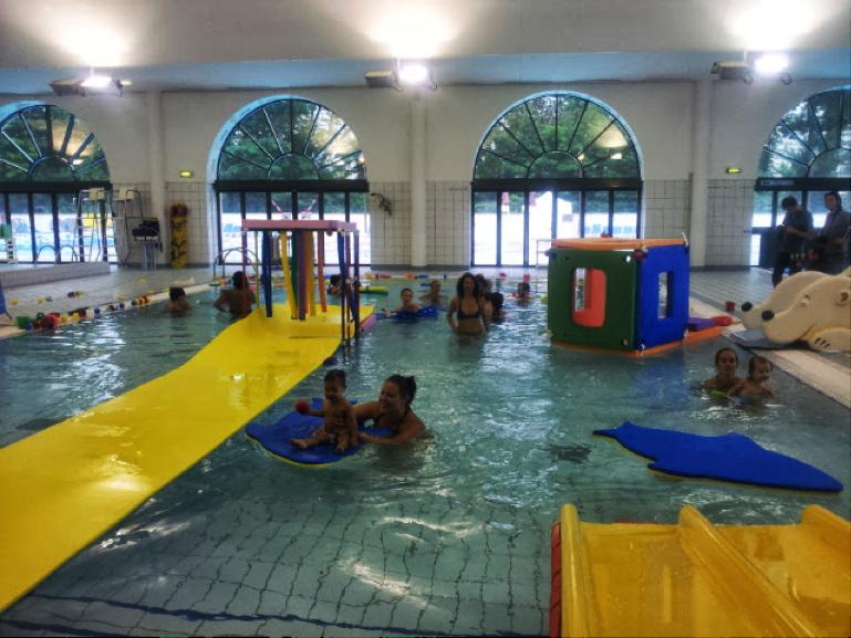 Bebes nageurs a Puteaux