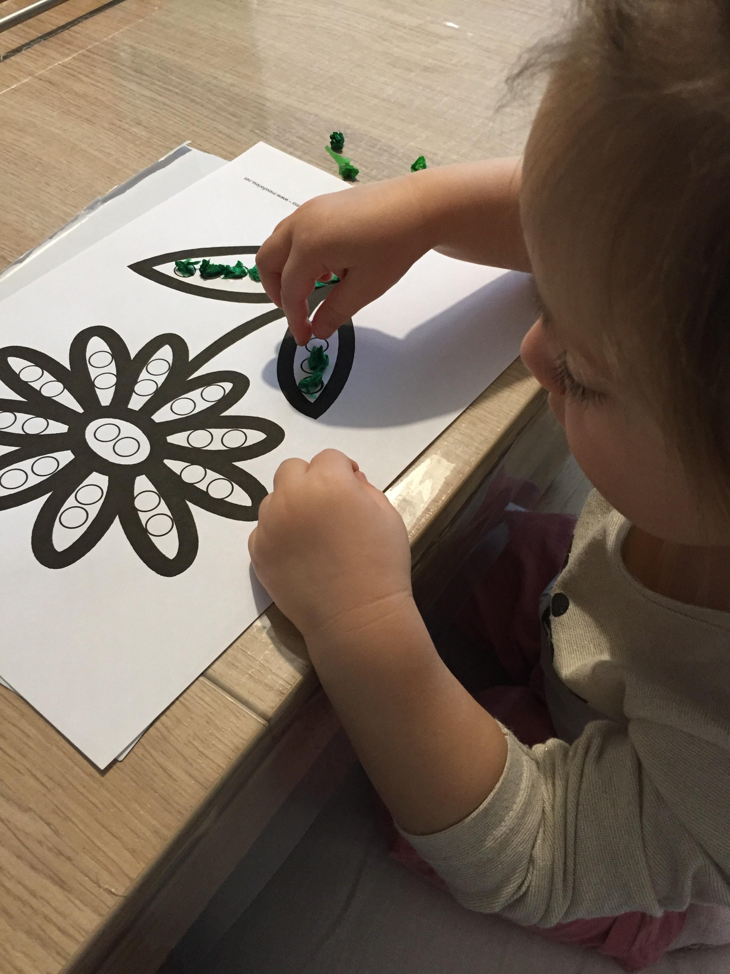 collage sur une fleur