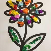 collage sur une fleur activité montessori