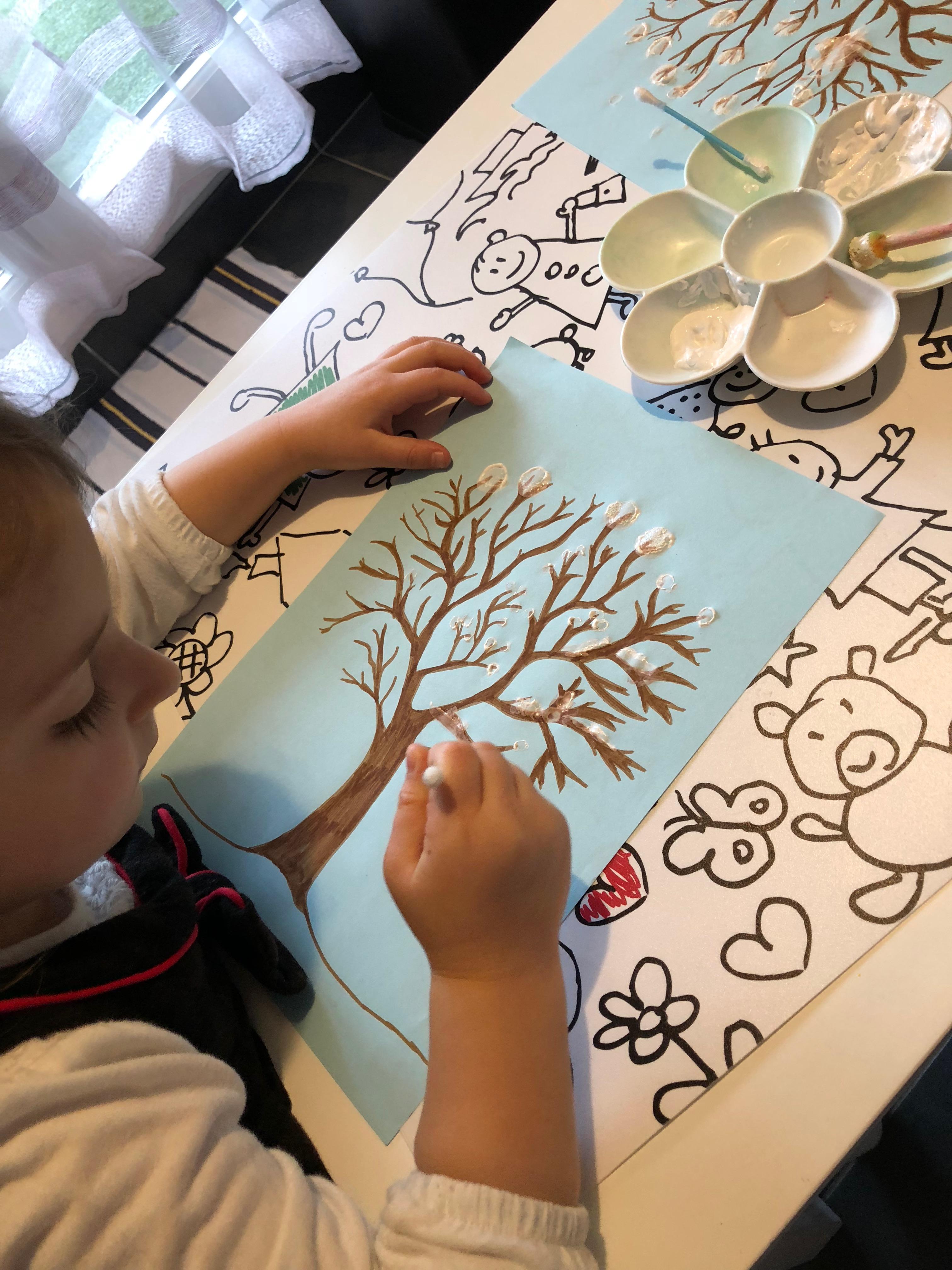 activités sur l'hiver peinture saison arbre ief