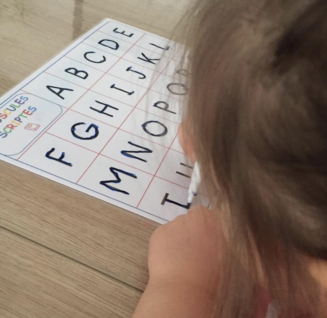 Apprendre à écrire Montessori IEF