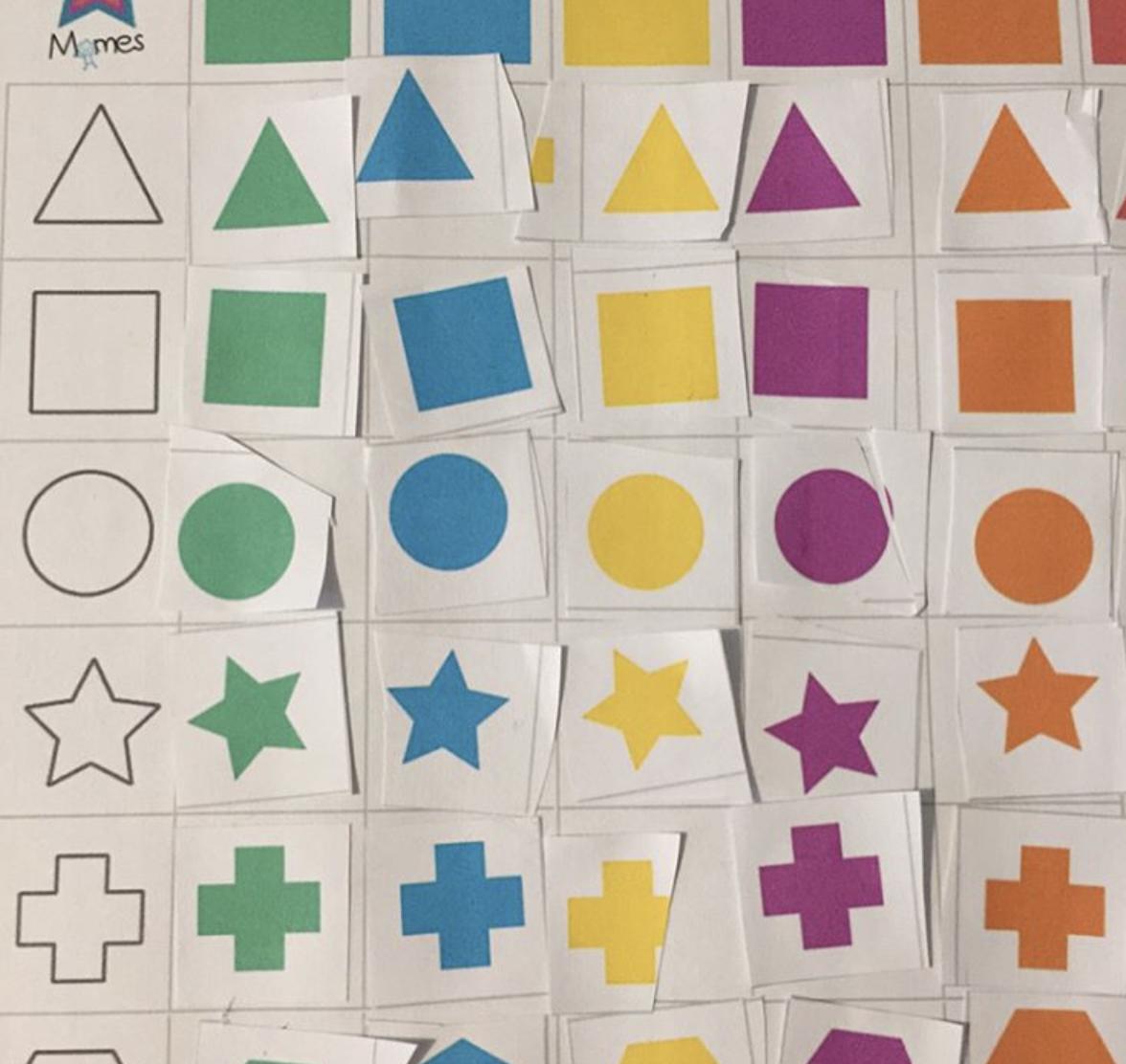 tableau à double entrée maternelle activité couleurs