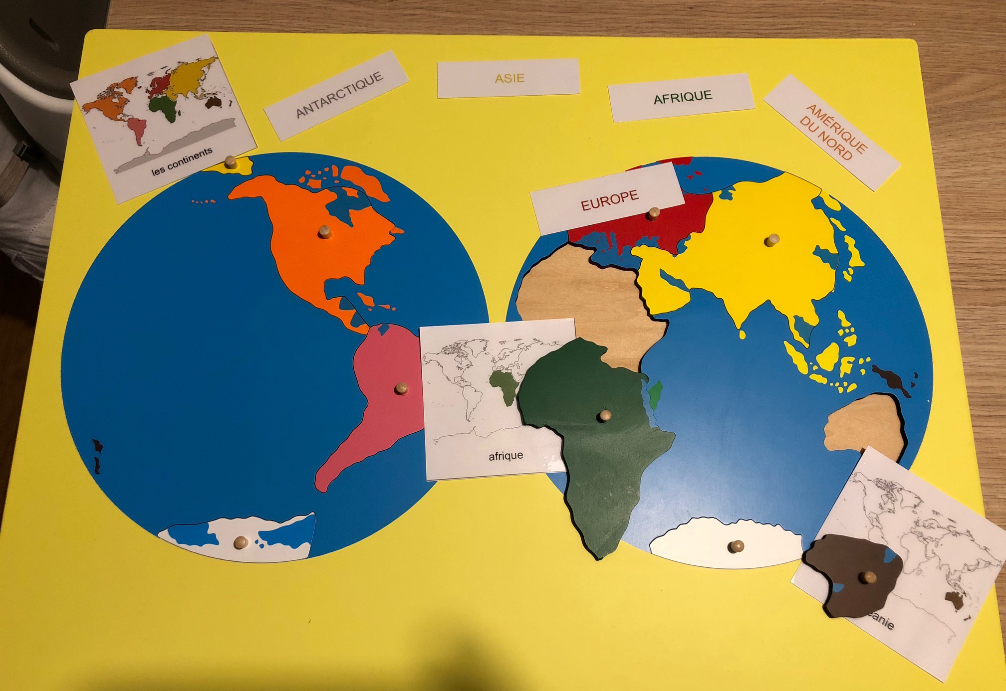 Les continents puzzle monde montessori instruction en famille