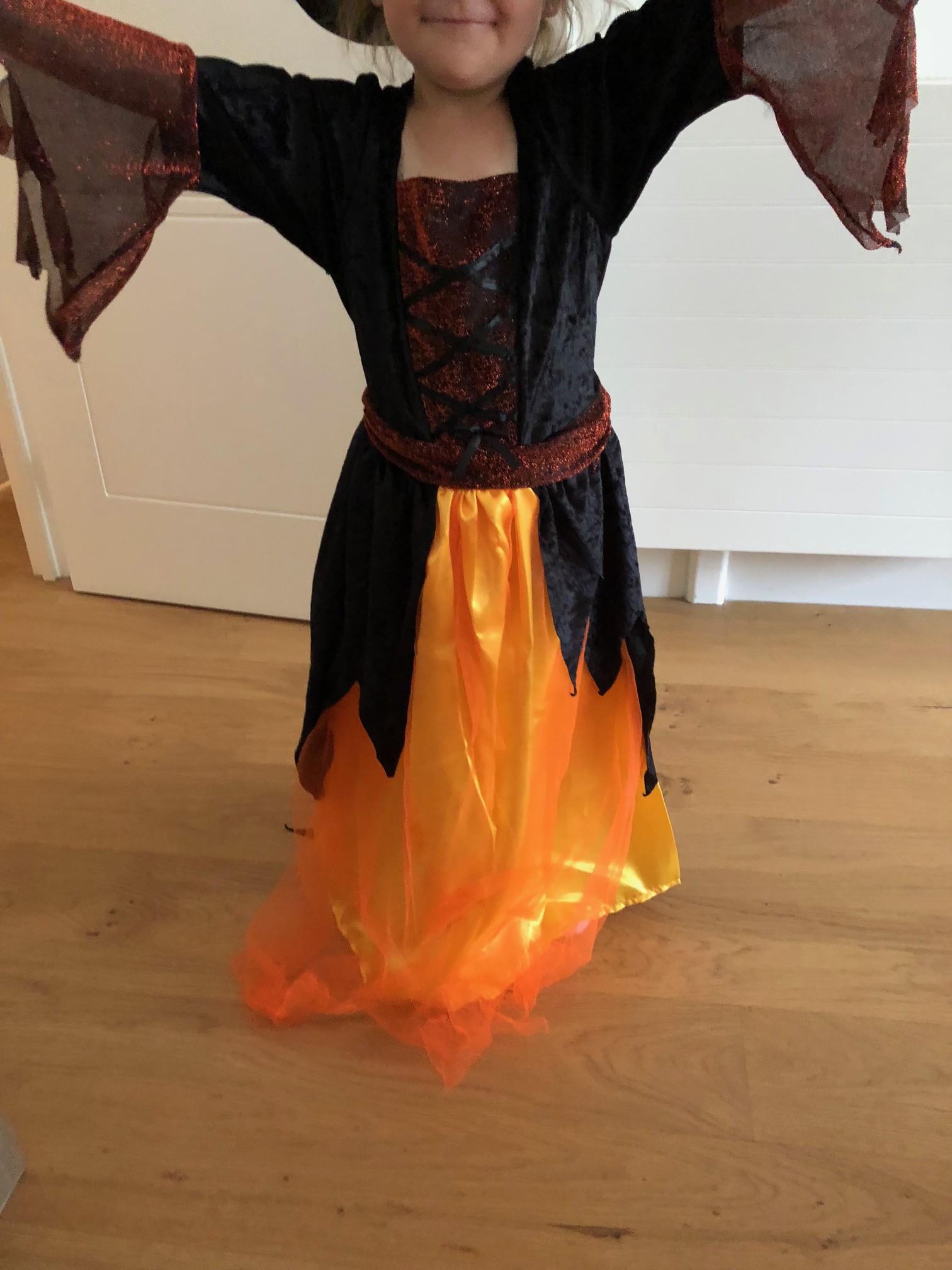 déguise toi halloween sorcière